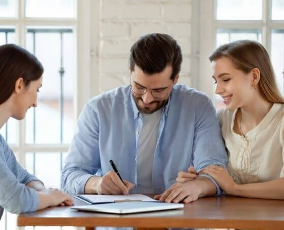 insurance-agent-selling-whole-life-insurance-to-couple
