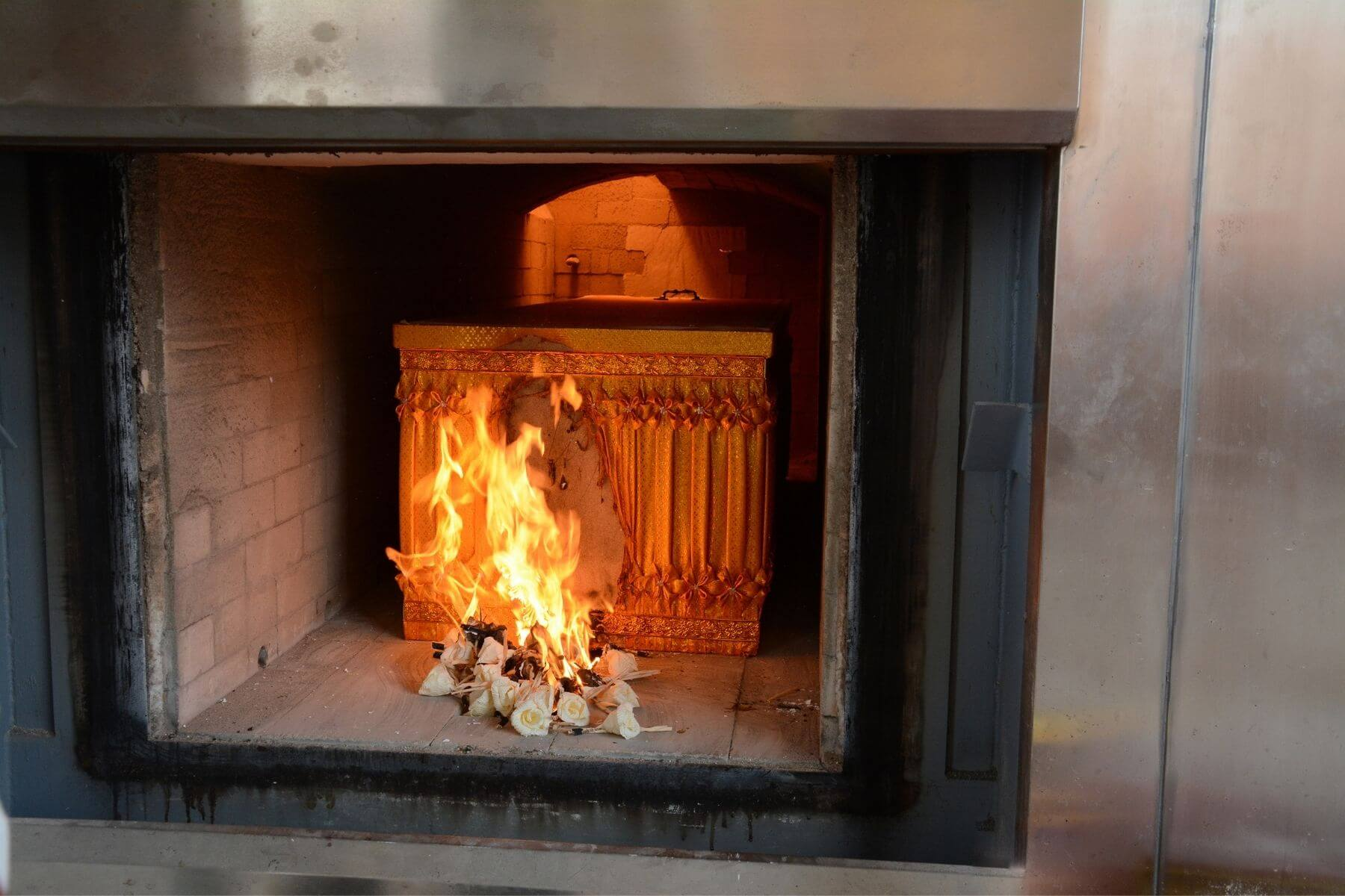 cremation-of-body-in-combustion-chamber